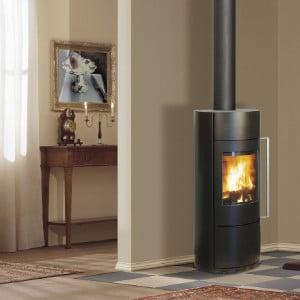 Fonte-flamme-cheminees-poele-à-bois-design-contemporain-Ona-